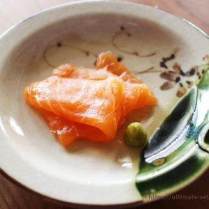 コストコのサーモンフィレ×日高昆布で「昆布締めサーモン」、プロの料理人が作ったような味に簡単にできる!